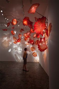 Dale Chihuly, Chelsea Persians, 2010, site-specific installation, 100+ glass elements on stainless steel armatures. courtesy Marlborough Gallery , New York #FredericClad
