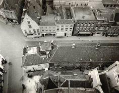1960 vanaf de grote kerk zicht op de Reigerstraat met stomerij Palthe, bioscoop het Casino, de Katholieke kring en de Graanbeurs,links is de Vischmarktstraat