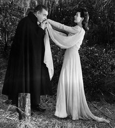Go down to the swamp in a long, chiffon gown. -  -  -  Lon Chaney and Louise Albritton Son of Dracula 1943 Vera West Gown