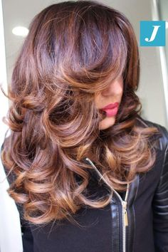 Women with Beautiful Hair Hair Color Balayage, Hair Highlights, Curly Hair Styles, Natural Hair Styles, Luscious Hair, Haircuts For Long Hair, Long Layered Hair, Great Hair, Big Hair