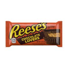 Reese's created two new limited-time products: the Reese's Lovers Cups. The Chocolate Lovers cups are made with the most chocolate that Reese's has ever used, and the Peanut Butter Lovers has a peanut butter candy top shell. Chocolate Calories, Reese's Chocolate, Chocolate Peanuts, Chocolate Lovers, Reese Peanut Butter Eggs, Peanut Butter Filling, Favorite Candy, Creme Brulee, Jack Frost