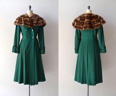vintage 1930s coat / wool 30s coat / fur collar / Crowninshield coat. $355.00, via Etsy.
