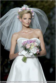 BCN03MAY013.- Barcelona Bridal Week- Pasarela Gaudí: Pronovias.   http://informativos.net/lifestyle-y-moda/desfile-pronovias-colecciones-para-2014-emocionante_54353.aspx