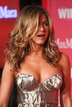 Jennifer aniston pubic hair upskirt 5