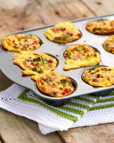 Enkle omelettmuffins - LINDASTUHAUG Omelette Muffins, Egg Muffins, Norwegian Food, Norwegian Recipes, Tapas, Side Dishes, Brunch, Food And Drink, Snacks