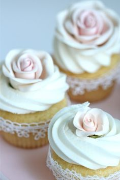 So so pretty sweet little cakes