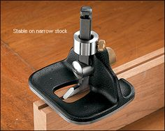 Veritas® Medium Router Plane - Lee Valley Tools