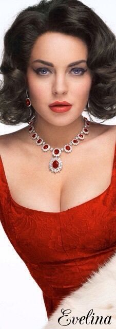 Shades Of Red, Red Color, Beautiful People, Glamour, Luxury, Beauty, Jewelry, Display, Fashion
