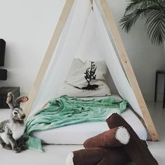 DIY easy play tent for the kids room | Do Not Iron