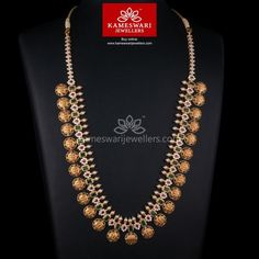 Buy classic ram parivar haram online from Kameswari Jewellers, gold jewellers in India. Browse through our latest gold necklace designs for more traditional necklace collections. Head Jewelry, Mom Jewelry, Bridal Jewelry, India Jewelry, Jewelry Art, Silver Jewellery Indian, Gold Jewellery Design, Silver Jewelry, Tanishq Jewellery