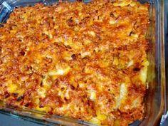 Cartofi cu carne tocata la cuptor - imagine 1 mare Helathy Food, Healthy Dinner Recipes, Cooking Recipes, Musaka, Good Food, Yummy Food, Romanian Food, Vegan Meal Prep, Hungarian Recipes