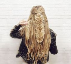 50 Gorgeous Braids Hairstyles For Long Hair - Peinados Pelo Corto Braiding Your Own Hair, Braids For Long Hair, Summer Braids, New Hair, Your Hair, Fishtail Braid Hairstyles, Messy Fishtail Braids, Ponytail Bun, Boho Braid