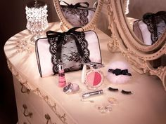 Gorgeous vanity table with Jill Stuart's makeup (http://www.jillstuart-beauty.com/en/).