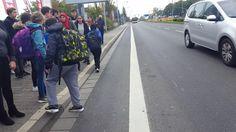 Szkolne 'multikulti' czeka na autobus