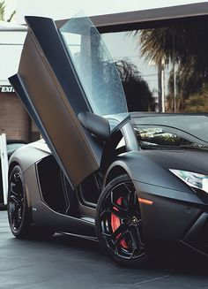 Matte black Lamborghini. I'm loving the matte finish I've been seeing lately.