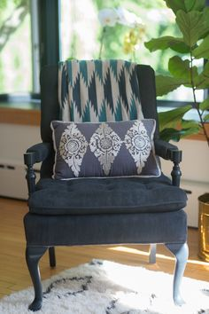 Gorgeous chair to style up any room is the way to go. #pillow, #side-chair  Photography: Aliza Rae Photography - www.alizaraephotography.com  Read More: http://www.stylemepretty.com/living/2014/09/15/eclectic-farmhouse/