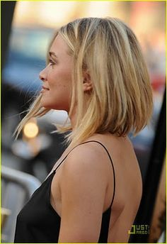 Ashley Olsens bob haircut from behind. #hairinspiration #style #olsentwins