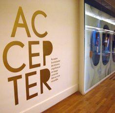 La séquence « Accepter » concerne des dons apportés au Musée suite à un cheminement personnel à travers la mémoire familiale.