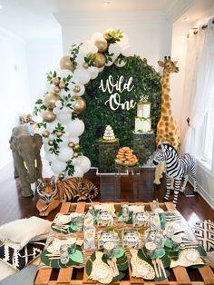 Safari Theme Birthday, Boys First Birthday Party Ideas, Jungle Theme Parties, Baby Boy 1st Birthday Party, Safari Party, Babyshower, Birthdays, Future, Christmas Window Display