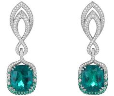 Chopard- <b>Earrings</b> in 18ct white gold set with cushion–shaped emeralds (15.3cts)– brilliant–cut diamonds (3cts) and brilliant–cut emeralds – <b>Ref.: 849864–1001</b>