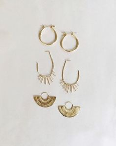 gold earrings | accessories | piercing | minimal