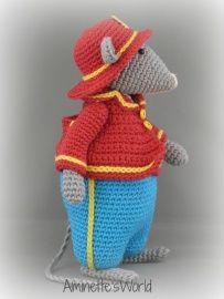 Just made with love by Antoinette: Ferdy Fire Mouse Crochet Baby Toys, Crochet Mouse, Love Crochet, Crochet For Kids, Crochet Dolls, Crochet Flowers, Knit Crochet, Crochet Hats, Amigurumi Patterns