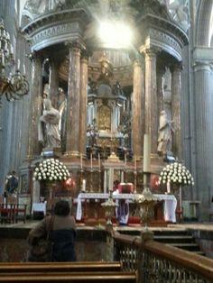 Altar de la catedral de puebla méxico
