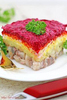 Ukrainian Herring Shuba (Layered Vegetable and Fish Salad) - Print Ukrainian Recipes, Russian Recipes, Ukrainian Food, Russian Foods, Appetizer Salads, Appetizer Recipes, Fish Recipes, Lunch Recipes, Delicious Recipes