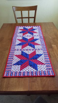 Patriotic Table Runner  Labor Day Quilted by QuiltsClothsCovers