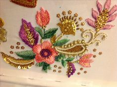 Zardosi Embroidery, Hand Work Embroidery, Embroidery Suits, Embroidery Fashion, Silk Ribbon Embroidery, Hand Embroidery Designs, Beaded Embroidery, Embroidery Patterns, Machine Embroidery