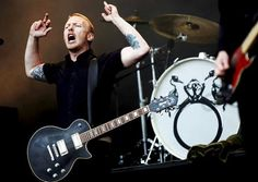 skambankt Rock Music, Drums, Music Instruments, Guitar, Drum Kit, Drum, Rock, Guitars, Musical Instruments