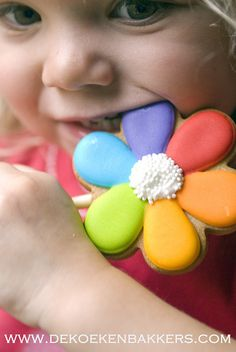 Rainbow cookie decoration idea... okay, so the little girl actually stole my heart... the cookie... just okay!