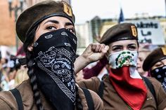Brown Berets Photo credit: Does anyone know where this picture was taken, when it was taken, or who the photographer was? Mexican American, Mexican Art, American History, Chicano Love, Chicano Art, Brown Pride, Gangsta Girl, Riot Grrrl, Power To The People