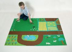 farm play mat ~ I could maybe do this with felt? An Auntie Coley project! Kids Gifts, Baby Gifts, Felt Play Mat, Play Mats, Diy For Kids, Crafts For Kids, Mini Mundo, Farm Quilt, Farm Theme