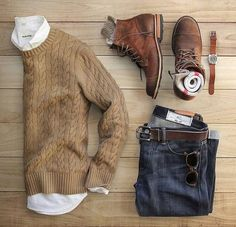 Nice overall look, important not to be too smart. But more of a casual/relax, Saturday afternoon look.