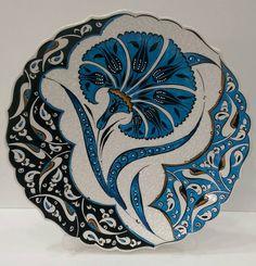 HUZUR SOKAĞI (Yaşamaya Değer Hobiler) Turkish Art, Turkish Tiles, Islamic Tiles, Islamic Art, Turkish Pattern, Truck Art, Historical Art, China Painting, Ceramic Design