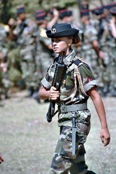 girls w/ guns - http://www.rgrips.com/en/article/74-bersa-mini-thunder-22-32-380