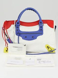 96ab2261455ca3 Get the bag that is coveted by celebrities everywhere! This gorgeous 2010  Balenciaga Tri-
