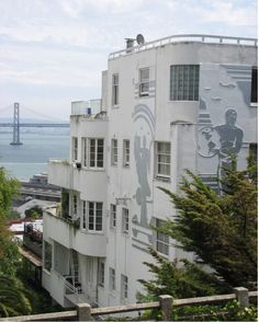 A building like the Malloch Apartments, with its silver murals by Alfred du Pont, couldn't be built today on Telegraph Hill. Too tall! Blocks views! Good thing the process wasn't as strict back in 1937.