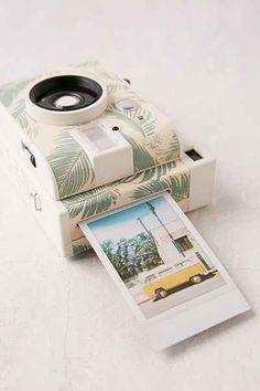 Appareil photo LomoInstant édition Honolulu Lomography - Urban Outfitters
