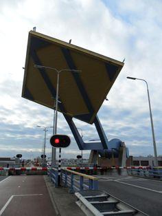 Bridge, Loft, Bro