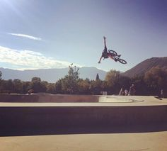 @christianmasur stretching out during a session at the #bolzano skatepark!  #bmx #flybikes #bike #bicycle #style #nohands #photo