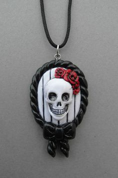 Fuck yeah altars Items similar to Skull Frame Necklace on Etsy Polymer Clay Halloween, Polymer Clay Ornaments, Sculpey Clay, Cute Polymer Clay, Polymer Clay Charms, Polymer Clay Projects, Polymer Clay Creations, Clay Crafts, Polymer Clay Jewelry