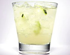 The Cool Mule is a version of the Moscow Mule, made with Effen Cucumber vodka, St. Germain elderflower liqueur, ginger beer and fresh cucumber slices. Cocktail And Mocktail, Cocktail Recipes, Summer Drinks, Fun Drinks, Cucumber Vodka Drinks, Ginger Beer, Craft Cocktails, Moscow Mule, Fabulous Foods