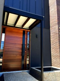 Modern Entrance Door, Main Entrance Door Design, Modern Front Door, Double Front Doors, Front Door Entrance, Entry Doors, Timber Door, Wood Doors, Contemporary Front Doors