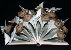 """Altered book """"Lotus flowers and butterflies""""... Libro-escultura """"Flores de Loto y Mariposas""""... Livre détourné """"Fleurs de lotus et papillons"""""""