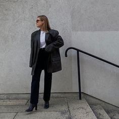 HANNA JOHANSSON (@haaannajohansson) • Photos et vidéos Instagram Hanna, Boyish Style, Comme Des Garcons, Normcore, Photos, Instagram, Fashion, Moda, Pictures