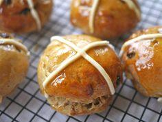 How to Make Gluten Free Hot Cross Buns - Great British Chefs