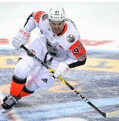 Ice Hockey Players, Nhl Players, Nhl All Star Game, Connor Mcdavid, Sports Uniforms, Sport Icon, Edmonton Oilers, National Hockey League, Superhero