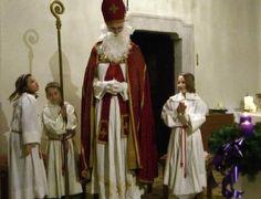 Der Krampus vermied es, in die Hennersdorfer Pfarrkirche zu kommen: dafür freute sich aber der Hl. Nikolaus umso mehr über die zahlreichen Besucher der ...